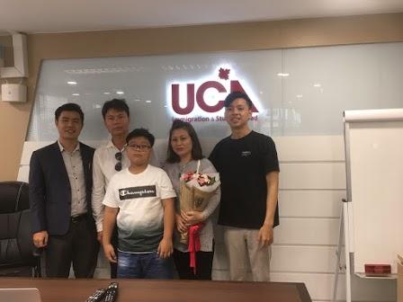 UCA Immigration cùng một gia đình có thẻ PR Canada