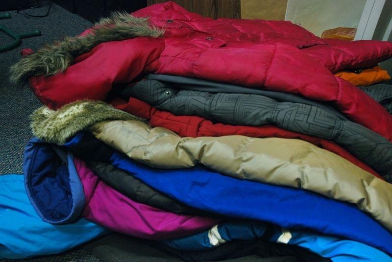 Cần mang quần áo ấm khi sang Canada