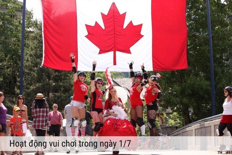 Nét mặt vui khỏe của những người trẻ trong ngày lễ Canada