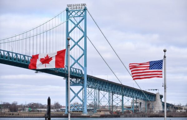 Canada dự định mở cửa biên giới Mỹ
